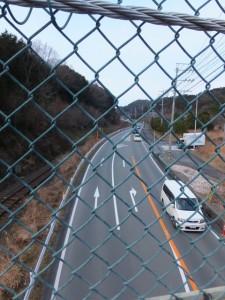 松下跨線橋から望む国道42号線