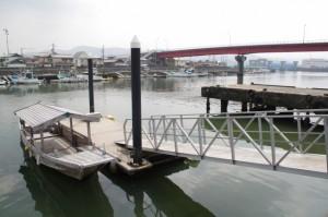 木造船「みずき」(神社 海の駅)