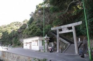 波切神社の鳥居(波切漁港)