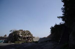 「八大龍王」の石柱付近(波切漁港)