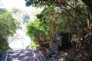 波切神社から須場の浜へ(志摩市大王町)