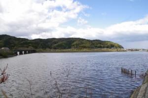 JR東海 圦先(ゆりさき)踏切付近から望む五十鈴川派川