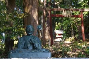 行基菩薩像と伏見稲荷社(太江寺)