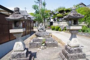 定林寺跡参道入り口の庚申塔(2582)