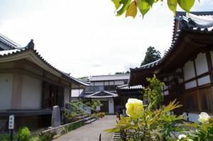聖倉殿と往生院(橘寺)