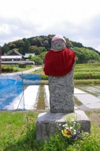石仏(橘寺への川原寺跡側参道入り口付近)