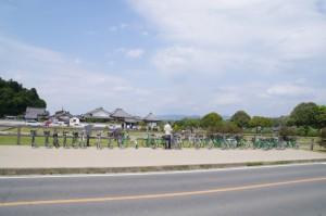 川原寺跡の駐輪場