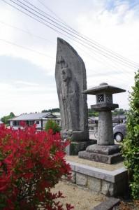 地蔵と常夜燈(亀石(7187)付近)