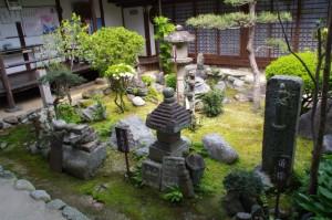 中庭(飛鳥寺)
