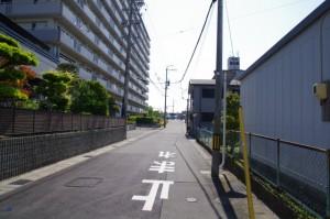 横断歩道(770)から玉重橋(940)へ
