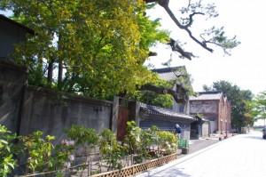 諸戸氏庭園前の道路