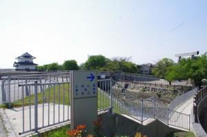七里の渡への通路