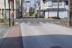 (5443)の先で振り返ってパチリ、道路舗装の色が変化
