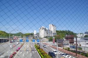 鳥羽駅連絡通路から望む戸田家方向