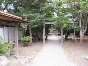 ベスパスポーツクラブ付近の神社