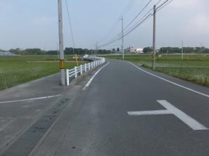 ここから歩道あり(三重交通 城田団地前 バスのりばの先)