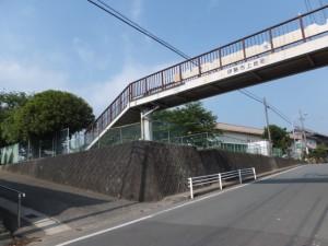 伊勢市上地町の歩道橋