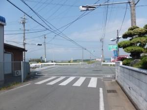 (ろ)交差点(上地町交差点)