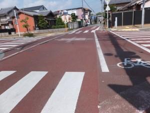 JR参宮線 田丸駅へ向う道路との交差点