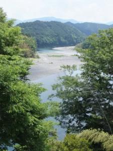 垣間見える宮川