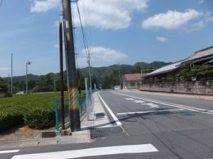 日進公民館(トイレあり)への交差点