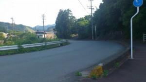上三瀬交差点(国道42号線)の地下道の先