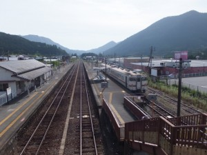 JR紀勢本線 三瀬谷駅の跨線橋から望む栃原方向