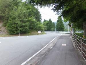 大宮中学校前の十字路