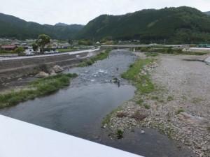 落瀬橋から望む大内山川の下流側