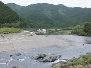 大内山川とJR紀勢本線の鉄橋(藤ヶ野~柏野)
