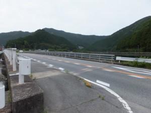 岩船橋(大内山川)