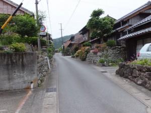 津島神社前から宝蔵寺へ