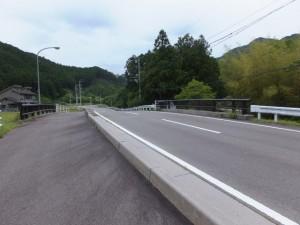 下里橋(大内山川)