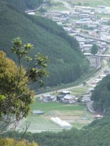 ツヅラト峠からの眺望(さらにズーム)