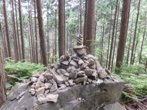 ケルン(ツヅラト峠~志子登り口)