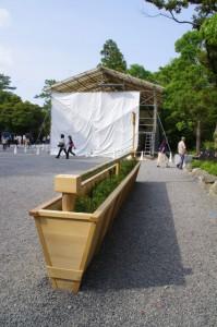 仮設の手水所と工事中の手水舎(外宮)