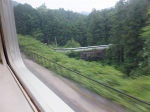 JR紀勢本線から望む神瀬橋(通称、眼鏡橋)、(栃原から下楠までの途中)