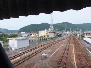 JR紀勢本線 紀伊長島駅の跨線橋から望む三野瀬駅方向