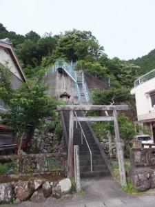 森林組合おわせ 紀伊長島事務所付近の祠