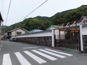 「北 右くまの道」の道標付近(濱口熊嶽邸跡~長島神社)