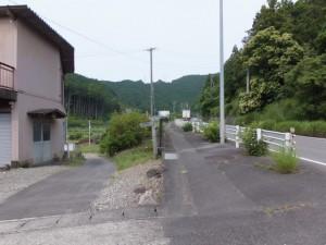 国道42号から一石峠への入口へ(左へ)