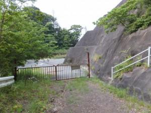 平方峠付近のゲート
