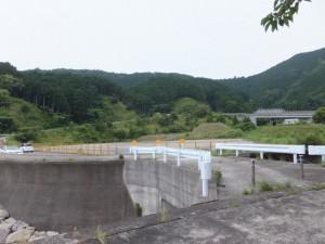 道瀬海岸休憩所から三浦峠登り口へ