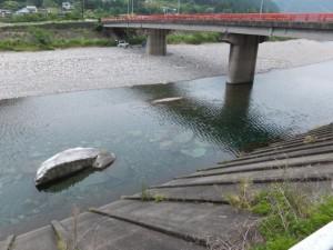 便ノ山橋(銚子川)付近