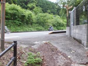 「熊野古道鷲下みち」の説明板から国道42号への合流