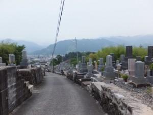 墓地(馬越公園から北川橋へ)