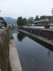 北川橋付近から望む尾鷲神社方面