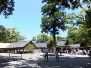 奉幣の儀終了後の大庭前(外宮)