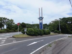 国道42号からJR鳥羽駅へ(車両は進入禁止)