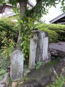 道標、石経碑、袖片橋(やのはま道)